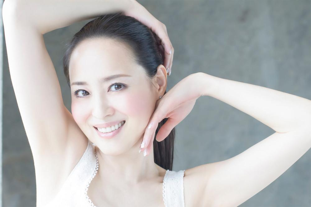 白く美しい肌に優しい笑顔が魅力的な松田聖子